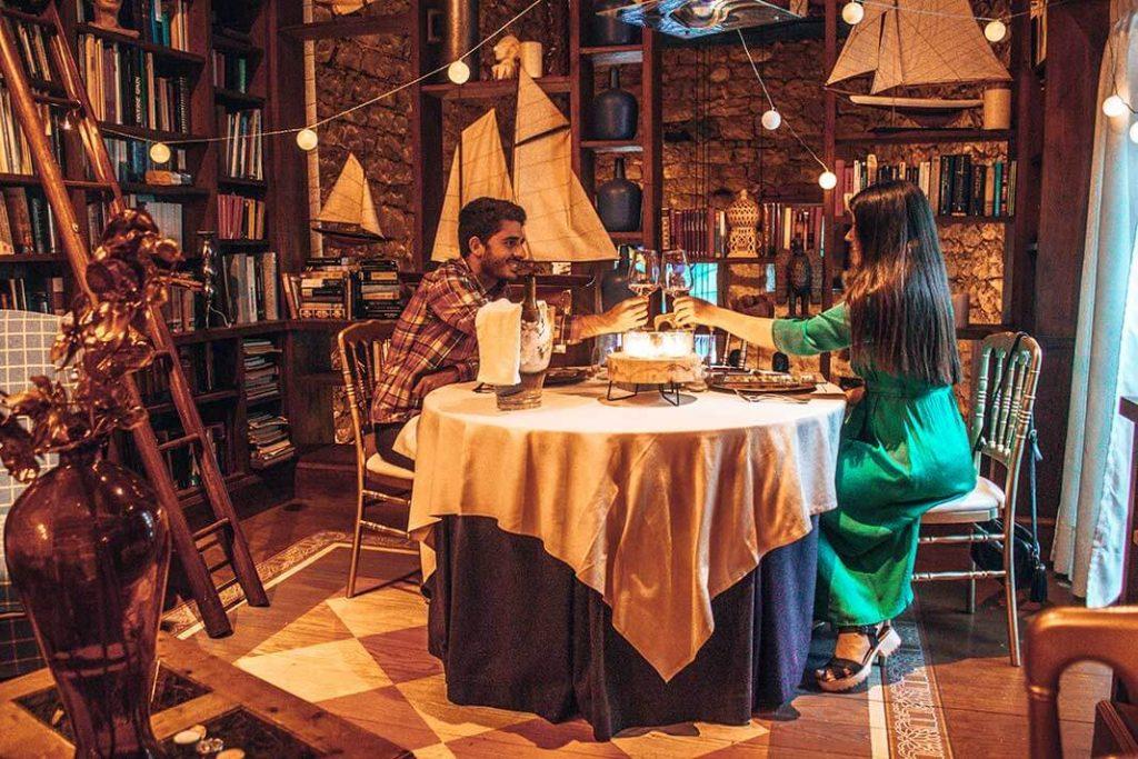 Cena biblioteca camino real de selores