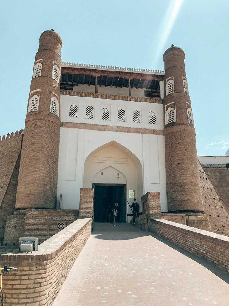 Entrada muralla ark Bujara