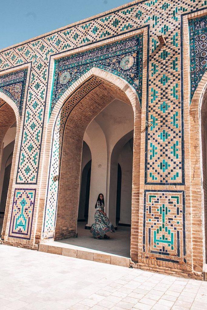 Mezquita Kalan interior arcos