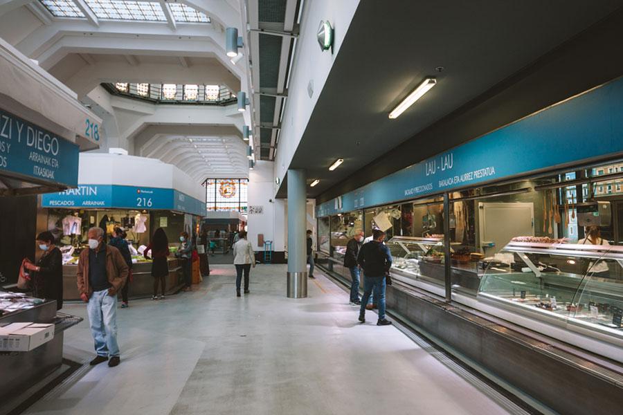 Interior del Mercado de la Ribera